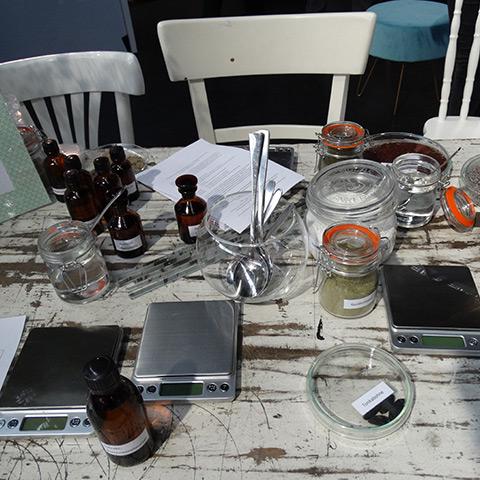 Bild - Workshop Naturkosmetik selber herstellen - Creme rühren - Vorbereitung
